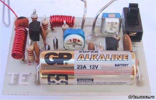 Eselit.com : Схемы : Измерители : Широкополосный детектор электрического поля.